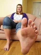 Где дешево купить женскую обувь большого размера