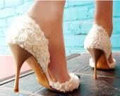 Правильный уход за белой обувью