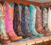Какие можно выделить отличительные особенности обуви в разных регионах