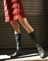 Как носить ботфорты с платьями
